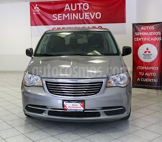 Chrysler Town and Country Touring 3.6L usado (2016) color Plata Martillado precio $279,000