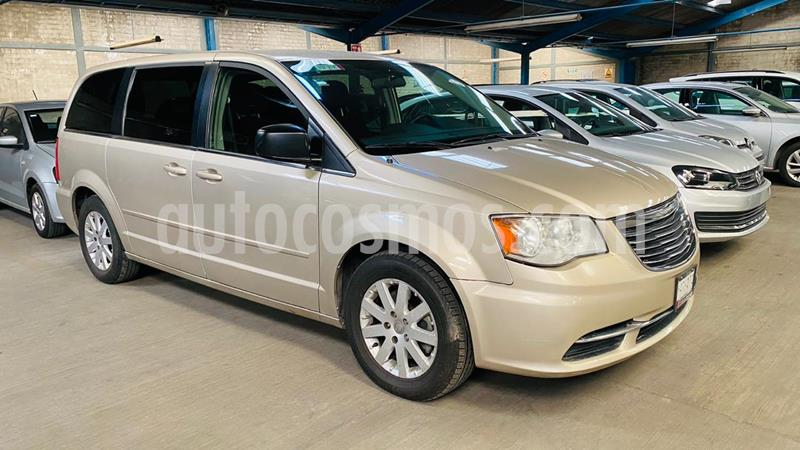 Chrysler Town and Country Touring 3.6L usado (2015) color Cashmere precio $191,000