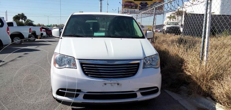 Chrysler Town and Country Li 3.6L usado (2016) color Blanco precio $245,000