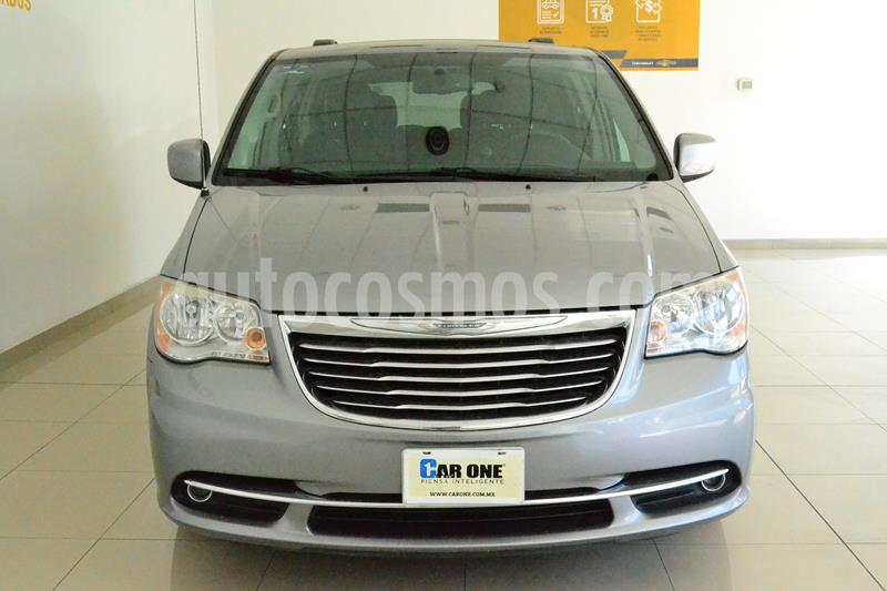 Chrysler Town and Country Touring 3.6L usado (2014) color Gris precio $195,000