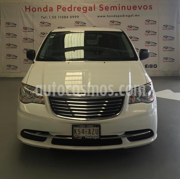 Chrysler Town and Country Touring 3.6L usado (2015) color Blanco precio $199,000