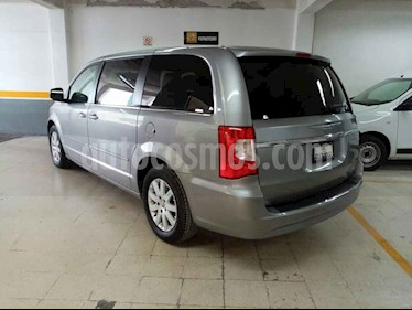 foto Chrysler Town and Country Li 3.6L usado (2016) color Gris precio $255,000
