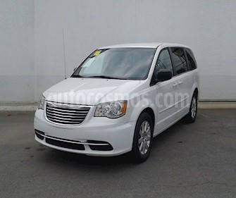 Chrysler Town and Country Li 3.6L usado (2016) color Blanco precio $219,000