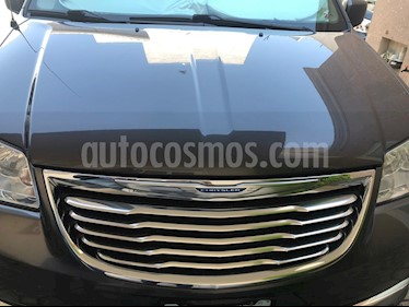 Chrysler Town and Country Touring Piel 3.6L usado (2014) color Plata Martillado precio $255,000