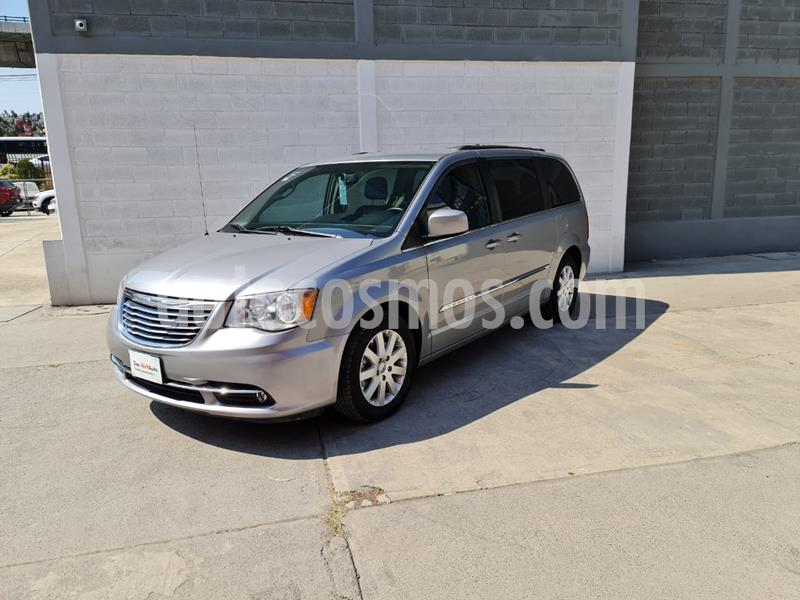 Chrysler Town and Country Touring Piel 3.6L usado (2015) color Plata Martillado precio $269,000