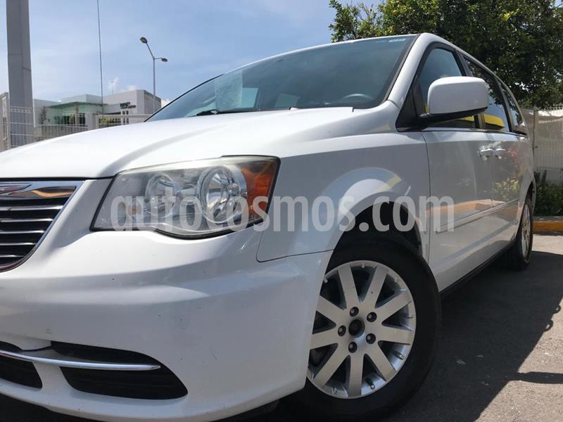 Chrysler Town and Country LX 3.6L usado (2014) color Blanco precio $190,000