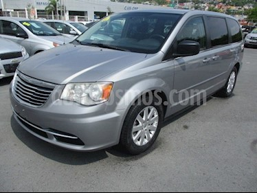 Chrysler Town and Country Li 3.6L usado (2014) color Plata precio $165,000