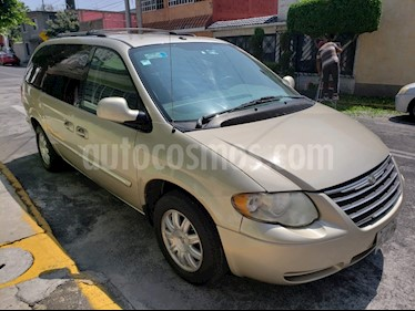 Chrysler Town and Country Touring 3.6L usado (2006) color Dorado precio $80,500