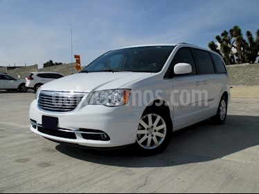 Foto Chrysler Town and Country Touring Piel 3.6L usado (2013) color Blanco precio $258,000
