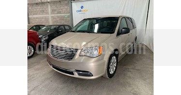 Chrysler Town and Country Li 3.6L usado (2016) color Dorado precio $149,900