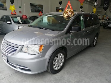 Chrysler Town and Country Li 3.6L usado (2016) color Plata precio $299,000