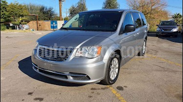 Chrysler Town and Country Li 3.6L usado (2016) color Plata precio $189,900