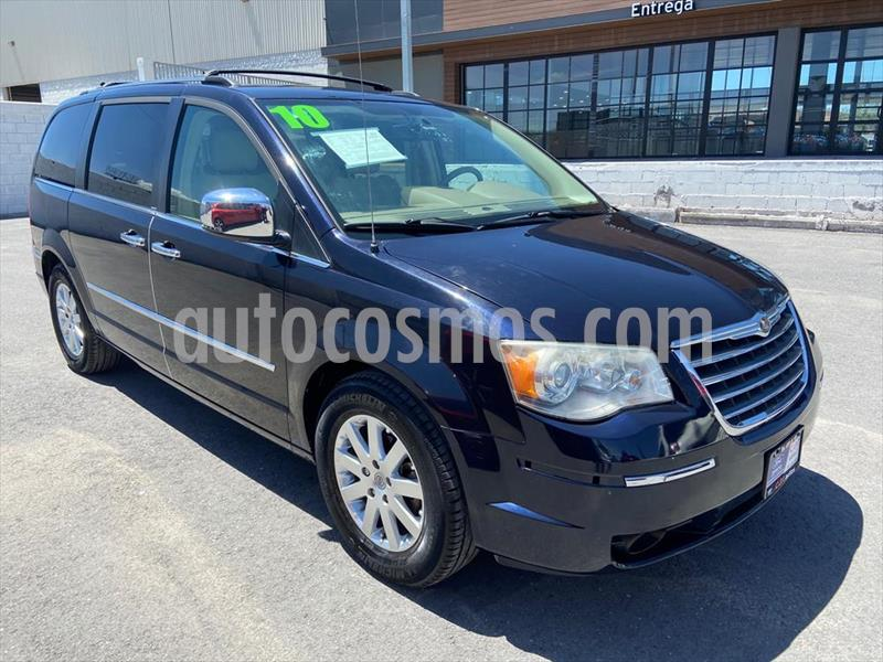 Chrysler Town and Country Limited 4.0L usado (2010) color Azul Electrico precio $152,000