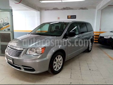 Chrysler Town and Country Touring 3.6L usado (2016) color Plata precio $255,000