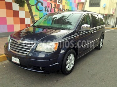 Chrysler Town and Country Signature Series usado (2008) color Azul Profundo precio $110,000