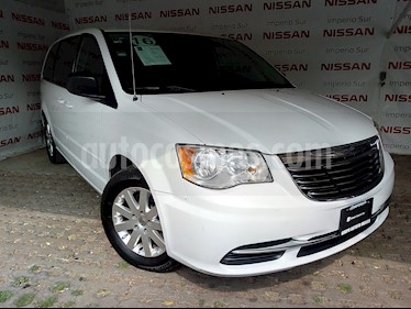Foto venta Auto usado Chrysler Town and Country Touring 3.6L (2016) color Blanco precio $250,000