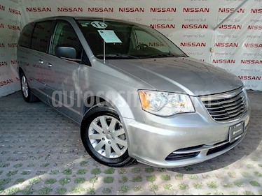Foto venta Auto usado Chrysler Town and Country Touring 3.6L (2016) color Plata Martillado precio $250,000
