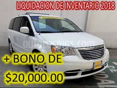 Foto venta Auto usado Chrysler Town and Country Touring 3.6L (2016) color Blanco precio $339,000