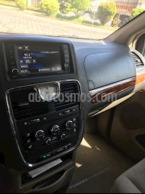 Chrysler Town and Country Touring 3.6L usado (2016) color Cashmere precio $270,000