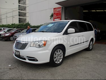 Foto venta Auto usado Chrysler Town and Country Touring 3.6L (2016) color Blanco precio $416,000