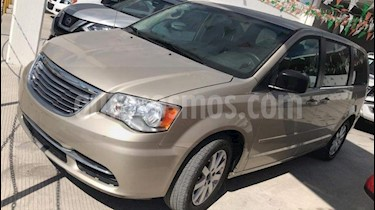 Foto venta Auto usado Chrysler Town and Country Touring 3.6L (2015) color Cashmere precio $235,000