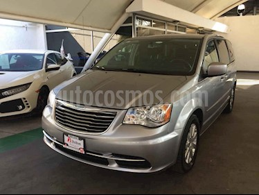 Foto venta Auto usado Chrysler Town and Country Touring 3.6L (2016) color Plata precio $275,000