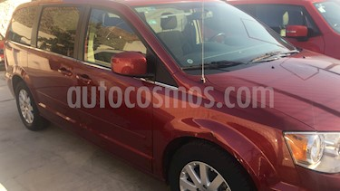 Foto venta Auto usado Chrysler Town and Country Touring 3.6L (2016) color Rojo Cerezo precio $320,000