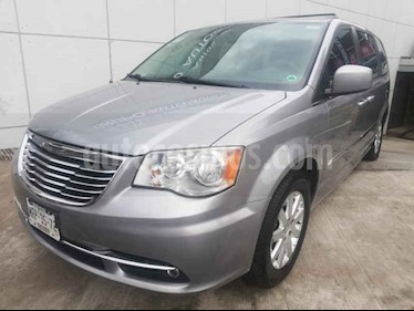 Foto venta Auto usado Chrysler Town and Country Touring 3.6L (2014) color Gris precio $269,000