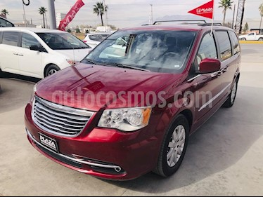 Chrysler Town and Country Touring 3.6L usado (2014) color Negro precio $239,000