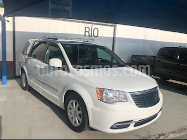 Chrysler Town and Country Touring 3.6L usado (2014) color Blanco precio $239,000