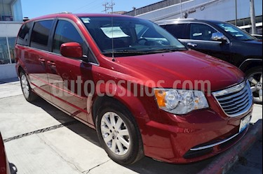 Foto venta Auto usado Chrysler Town and Country Touring 3.6L (2016) color Rojo precio $320,000