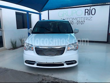 Foto venta Auto usado Chrysler Town and Country Touring 3.6L (2014) color Blanco precio $245,000