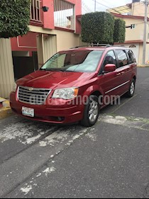 Chrysler Town and Country Touring 4.0L usado (2010) color Marron precio $137,000