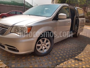Chrysler Town and Country Touring Piel 3.6L usado (2012) color Plata precio $185,000