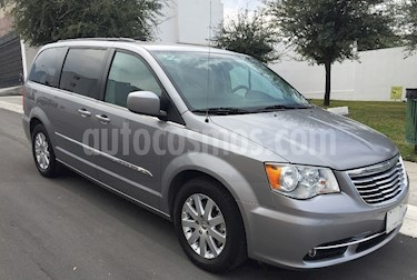 Chrysler Town and Country Touring Piel 3.6L usado (2016) color Plata Martillado precio $335,000