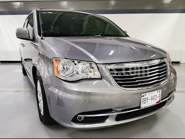 Chrysler Town and Country Touring Piel 3.6L usado (2015) color Plata Martillado precio $260,000