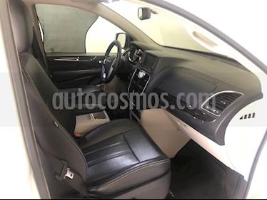 Foto Chrysler Town and Country Touring Piel 3.6L usado (2013) color Blanco precio $200,000