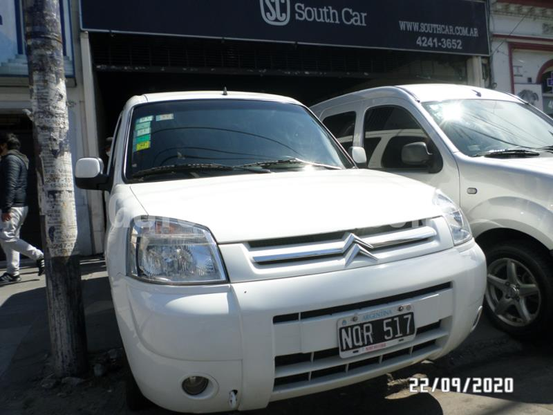 Citroen Berlingo Multispace 1.6 HDi SX usado (2014) color Blanco precio $915.000