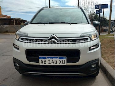 Citroen C3 Aircross Feel VTi usado (2017) color Blanco precio $660.000