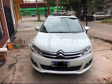 Citroen C4 Lounge 1.6 Exclusive Aut usado (2016) color Blanco Nacarado precio $555.000