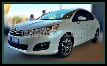 Citroen C4 Lounge 1.6 Feel Pack usado (2016) color Blanco precio $825.000