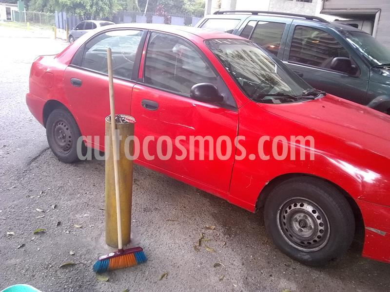 Daewoo Lanos SE Sinc. usado (2000) color Rojo precio u$s900