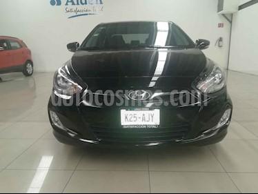 Foto Dodge Attitude GLS 1.6L usado (2013) color Negro precio $109,000
