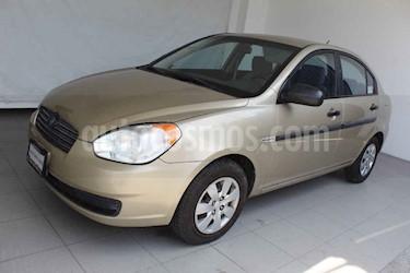 Dodge Attitude 4p 5vel GL 1.4L usado (2010) color Dorado precio $69,000