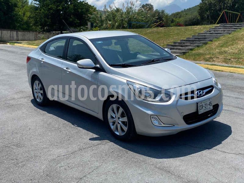 Dodge Attitude GLS 1.6L usado (2012) color Plata precio $109,000
