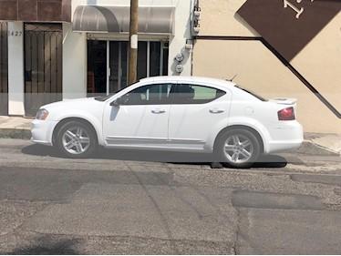 Dodge Avenger 2.4L GTS Aut usado (2014) color Blanco precio $98,000