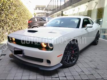 Foto venta Auto Seminuevo Dodge Challenger 2p SRT V8/6.2/T Aut (2016) color Blanco precio $860,000