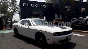 Foto venta Auto usado Dodge Challenger 3.6L Black Line ATX (2016) color Blanco Marfil precio $434,900