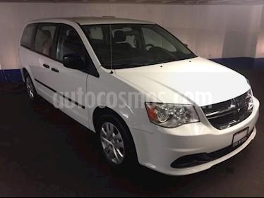 Foto venta Auto usado Dodge Grand Caravan 5p SE V6/3.6 Aut (2017) color Blanco precio $275,502