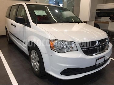 Dodge Grand Caravan 5p SE V6/3.6 Aut usado (2017) color Blanco precio $275,500
